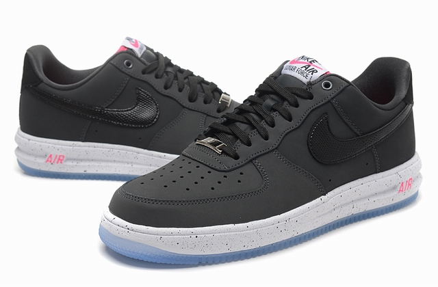 men air force one low 2016-3-29-046